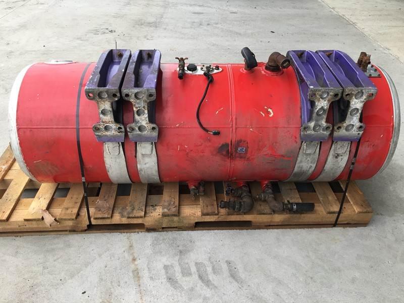 Used Peterbilt Fuel/Hydraulic Split Tank