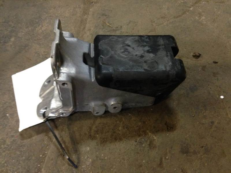 2015 Used PETERBILT 579 RH Hood Rest For Sale | Dorr, MI | 638-10200 |  MyLittleSalesman com