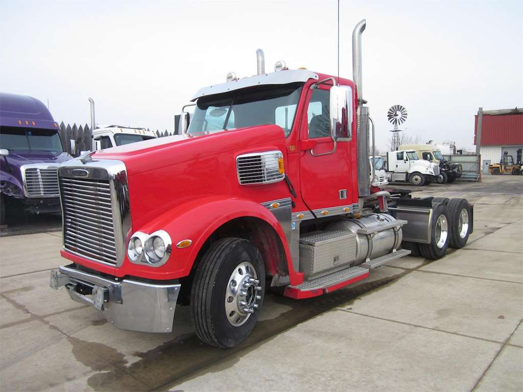 2015 freightliner coronado 114 day cab semi truck for sale 172 570 miles wyoming mi 56555. Black Bedroom Furniture Sets. Home Design Ideas