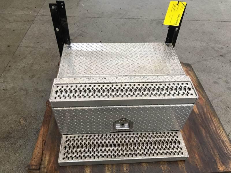 Used Peterbilt 389 Tool Box For Sale | Dorr, MI | 693-10068