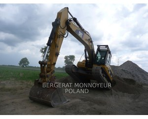 Caterpillar 323DL Crawler Excavator