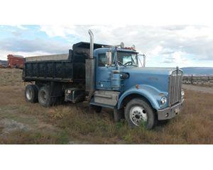 Kenworth W925 Heavy Duty Dump Truck