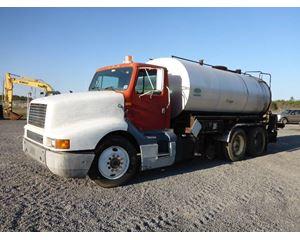 International 8300 Mixer / Ready Mix / Concrete Truck