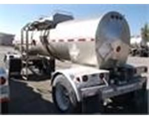 Heil 1600 GAL, 4 COMPT., 2-AXLE PULL Chemical / Acid Tank Trailer
