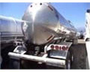 Walker 7000 GAL., 1 COMPT., 2-AXLE SEMI TANK Chemical / Acid Tank Trailer
