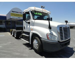 Freightliner CASCADIA 113 Day Cab Truck