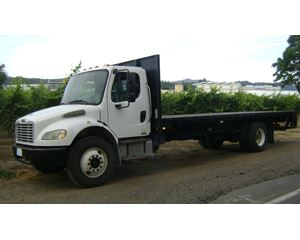 Freightliner BUSINESS CLASS M2 100 Flatbed Truck