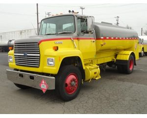 Ford L8000 Gasoline / Fuel Truck