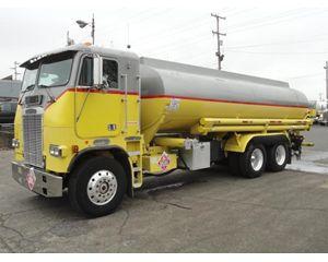 Freightliner 114SD Gasoline / Fuel Truck