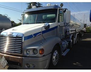 Freightliner CL12064S - COLUMBIA 120 Gasoline / Fuel Truck