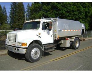 International 1600 Gasoline / Fuel Truck