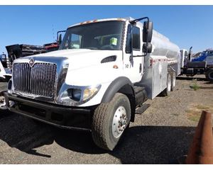 International 7400 Gasoline / Fuel Truck