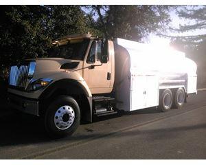 International 7600 Gasoline / Fuel Truck