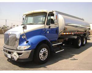 International 8600 Gasoline / Fuel Truck