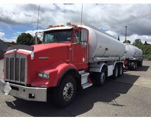 Kenworth T800 Gasoline / Fuel Truck