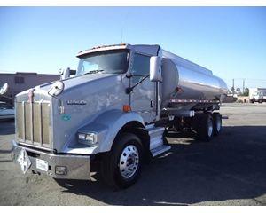 Kenworth T800B Gasoline / Fuel Truck