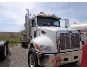 Peterbilt 348 Gasoline / Fuel Truck