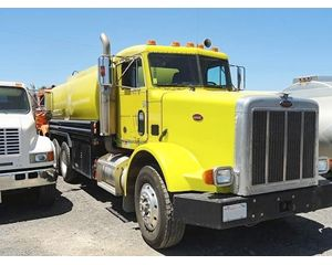 Peterbilt 378 Gasoline / Fuel Truck