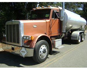 Peterbilt 379 Gasoline / Fuel Truck