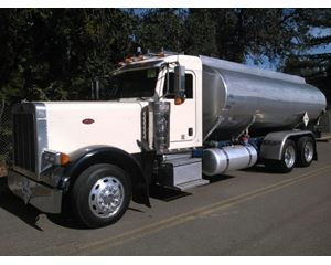 Peterbilt 379 Gasoline / Fuel Truck