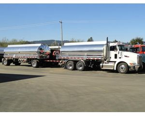 Peterbilt 384 Gasoline / Fuel Truck