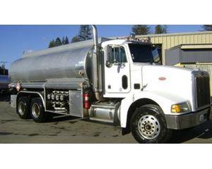 Peterbilt 385 Gasoline / Fuel Truck