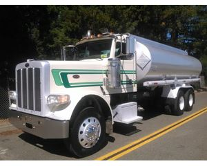Peterbilt 388 Gasoline / Fuel Truck