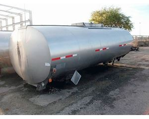 Beall 3900 GAL Vacuum Truck