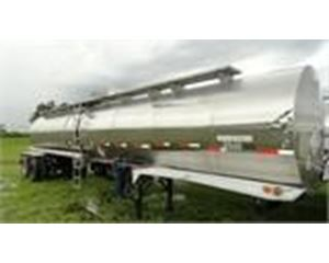 Heil 6500 GAL., 1 COMPT., 2 AXLE STAINLESS INSULATED SEMI TANK TRAILER Water Tank Trailer