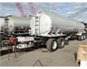 Heil 7400 GAL., 3 COMPT., 4-AXLE PULL TANK Water Tank Trailer