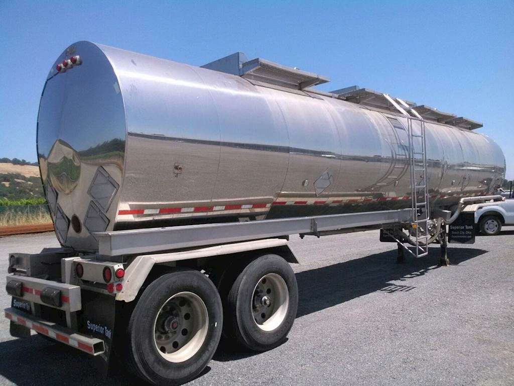 1998 STE DOT407SS, 8000 gallon, 4-Compartment Water Tank