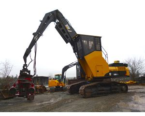 Caterpillar 330 DFM Harvester