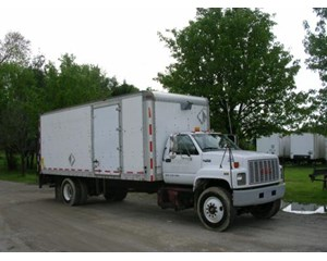 GMC TOPKICK C7500 Box Truck / Dry Van