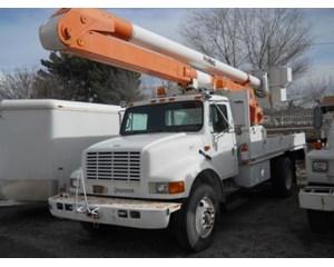 International 4900 Utility Truck With Hydraulic Boom