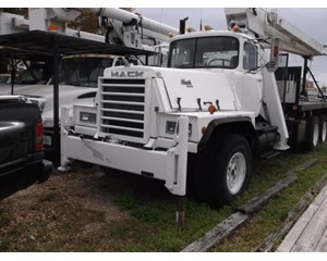 Mack  RD821S