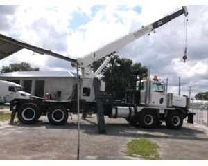 Western Star 4900 SA Crane Truck