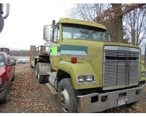 Freightliner  FLC11264T