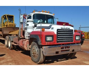 Mack RD690S Conventional Truck w/out Sleeper w/ Winch