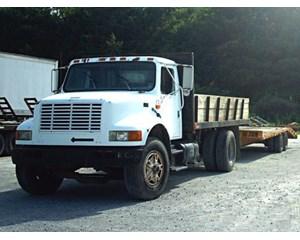 International 4900 4x2 Dump Truck