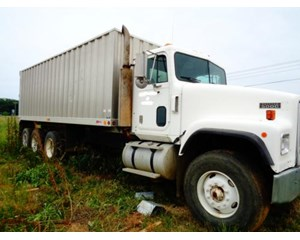 International Paystar 5000 Dump Truck