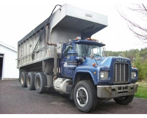 Mack RD688S Dump Truck