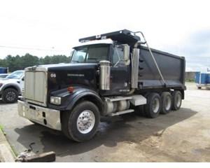 Western Star 4964FA Tri-Axle Dump Truck Dump Truck