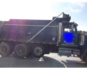 Western Star WB123084 Dump Truck