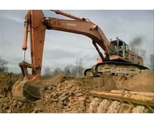 Hitachi EX700 Excavator