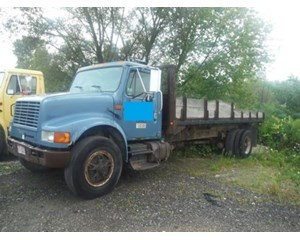 International 4900 Flatbed Dump