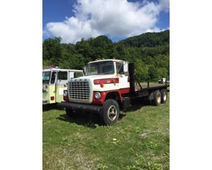 Ford LN9000 Flatbed Truck