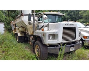 Mack DM690S Mixer / Ready Mix / Concrete Truck