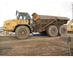 John Deere 400D  Dump Truck