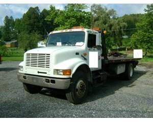 International 4900 4x2 Roll-Off Truck