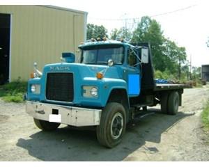 Mack R686ST Roll-Off Truck